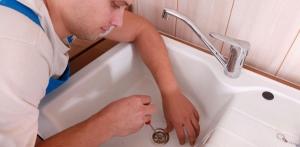 Comment déboucher les WC et douches?