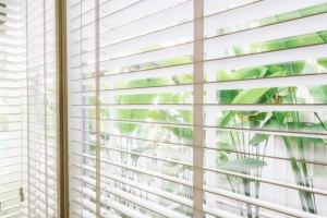 Quelles sont les différences entre les fenêtres en PVC, Alu et Bois?